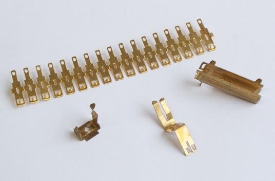 emboutissage connecteurs électriques